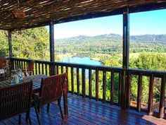 Velvet Moon Cottage accommodation near Knysna, Western Cape. Hidden between trees on the banks of the Knysna River, Velvet Moon Cottage lies within the appealingSimola Golf and Country Estate.