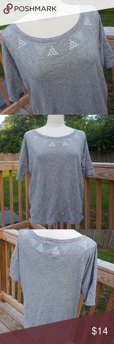 25% off 2Slouchy GAP Tee (S) In excellent pre owned condition. GAP Tops Tees - Short Sleeve