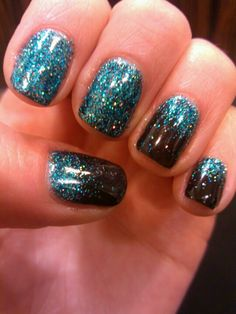 black pool cnd shellac, turquoise glitter anger glitter fade. #nailsbyashley #20loungescottsdale