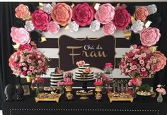 Decoração de Chá de Panelas em Preto, Branco e Pink