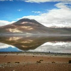Laguna verde #boliviantours Bolivia, Mount Rainier, Tours, Mountains, Amazing, Nature, Travel, Naturaleza, Viajes