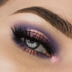 If you'd like to transform your eyes and increase your natural beauty, having the very best eye make-up tips can help. You'll want to make sure to wear make-up that makes you look even more beautiful than you already are. Eye Makeup Tips, Makeup Goals, Makeup Inspo, Eyeshadow Makeup, Makeup Brushes, Beauty Makeup, Hair Makeup, Makeup Tricks, Makeup Kit