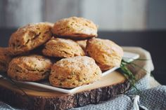 vegan cheesy chive biscuits-recipes-hot for food