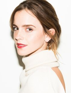 Emma Watson's Go-To Binge Watch Of Choice Is 'Friends'!: Photo Emma Watson rocks a jacket with her name on it for her brand new feature with Coveteur! The Beauty and the Beast actress opens up about supporting… Emma Watson Diet, Vestidos Emma Watson, Harry Potter Film, British Actresses, Hot Actresses, Celebs, Celebrities, Hermione, Clean Beauty