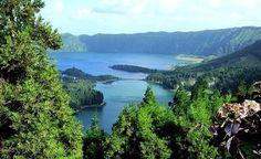 Magnifique lac à découvrir pendant votre voyage aux Açores