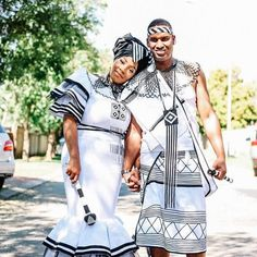 Rather than share a wedding, today I'm sharing a Xhosa engagement. I hope this Xhosa engagement will shed … Continued African Traditional Wedding Dress, African Fashion Traditional, Couples African Outfits, African Fashion Dresses, African Print Dress Designs, African Prints, African Patterns, Couple Noir, Xhosa Attire