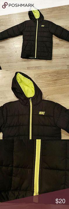 Nike Coat Boys 6 Good condition Nike Jackets & Coats Puffers