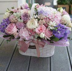 first birthday balloons Basket Flower Arrangements, Beautiful Flower Arrangements, Floral Arrangements, Amazing Flowers, Beautiful Flowers, First Birthday Balloons, Flower Boxes, Planting Flowers, Floral Design