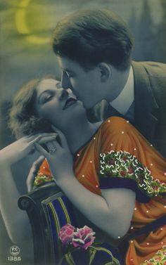 A Moonlight Kiss   1920s French Romance Postcard