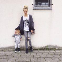 Tenue street fashion avec des baskets léopard