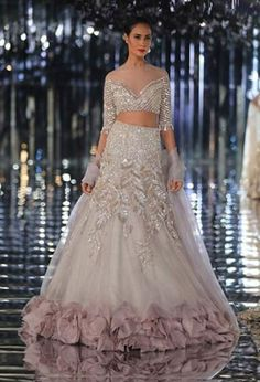 New Wedding Party Outfits Blush 33 Ideas Weddings! Indian Wedding Gowns, Indian Bridal Outfits, Indian Fashion Dresses, Indian Designer Outfits, Bridal Dresses, Bridal Gown, Manish Malhotra Bridal Lehenga, Manish Malhotra Designs, Hippie Style