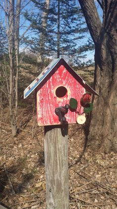 Birdhouse With Illinois License Plate Roof Made Reclaimed Wood And A Vintage Acorn Style Coat