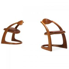 WENDELL CASTLE Pair of armchairs (b. 1932) Pair of #Zephyr chairs, Scottsville, NY, 1977 #Laminated and #sculpted #walnut, #leather #Rare #Furnishings #armchair
