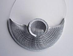 Ecodiseñadores de joyas: elegancia que brota de materiales humildes | MalaTinta Magazine
