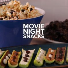movie videos Whip up these snacks and settle in for a delicious movie night! I Love Food, Good Food, Yummy Food, Tasty, Healthy Dessert Recipes, Snack Recipes, Cooking Recipes, Easy Snacks, Healthy Snacks