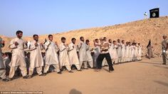 ISIS訓練新兵視頻曝光 教練朝新兵開槍