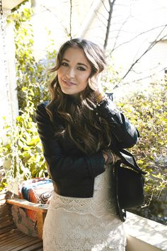 Lauren Daigle - with a soulful tone to her voice like Adele and a heart for God's kingdom, her music is a beautiful example of the God we live to serve. Christian Music Artists, Christian Singers, Christian Artist, Lauren Daigle, Her Music, Good Music, Taya Smith, Love Lauren, Pretty People