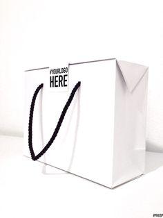 Wine Packaging, Paper Packaging, Packaging Design, Branding Design, Packaging Ideas, Shopping Bag Design, Shopping Bags, Karton Design, Shoe Store Design