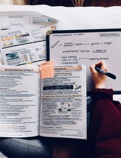 Image about motivation in school+study by Marina Isabella - # - Schule Ideen College Notes, School Notes, Study Organization, University Organization, School Study Tips, Study Space, Study Desk, Study Areas, Pretty Notes