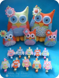 Cute Owl Pillows and Clothespins; Owl Fabric, Fabric Crafts, Sewing Crafts, Sewing Projects, Felt Owls, Felt Birds, Felt Animals, Owl Crafts, Cute Crafts
