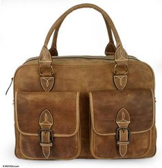 Ricardo Hinojosa caters to the needs of the experienced world traveler with this stunning #bag.