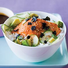 Simple Salmon Chirashi Recipe (Sushi Bowl) - made this yesterday and it was so yummy - I used shrimp instead of salmon and it turned out well