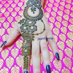 Latest Simple Arabic Mehndi Designs for Back Hand 2020 Henna Hand Designs, Mehndi Designs Finger, Mehndi Designs Book, Simple Arabic Mehndi Designs, Mehndi Designs For Girls, Mehndi Designs For Beginners, Modern Mehndi Designs, Mehndi Design Photos, Wedding Mehndi Designs