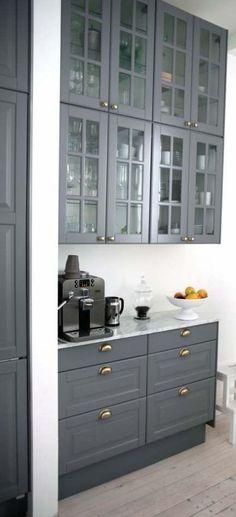 Kitchen ikea bodbyn glass cabinets for 2019 Ikea Kitchen Cabinets, Kitchen Cabinet Design, Kitchen Storage, Ikea Bodbyn Kitchen, Kitchen Cupboard, Kitchen With Glass Cabinets, Grey Ikea Kitchen, Wall Cupboards, Home Interior