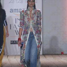 #Anamika #AmazonIndiafashionweek2015-16 #Runwayfashion #Indianfashion African Inspired Fashion, African Fashion, Indian Fashion, Kimono Fashion, Hijab Fashion, Fashion Outfits, Womens Fashion, India Fashion Week, Fashion Week 2015