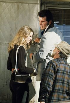 James Garner and Lindsay Wagner in The Rockford Files (1974)