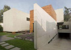 House H (Casa Ache) by Jaime Ortiz de Zevallos as Architects