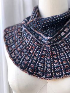 Knit Cowl, Knitted Shawls, Lace Shawls, Knitting Patterns, Easy Knitting, Scarf Patterns, Finger Knitting, Knitting Ideas, Lang Yarns