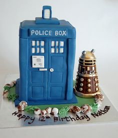 Dr Who TARDIS Birthday Cake Scrumptious Buns UK Doctor Who