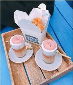 ドリンクの上には可愛いドーナツが?梨泰院にあるドーナツCAFE【ferryroasters】