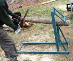 Résultat d'images pour firewood sawhorse Metal Projects, Welding Projects, Wood Tools, Diy Tools, Firewood Storage, Garage Tools, Metal Shop, Homemade Tools, Wood Cutting