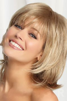 Popular Short Straight Hairstyles with Bangs Bobs For Thin Hair, Short Straight Hair, Short Hair With Bangs, Wavy Hair, Layered Bob Hairstyles, Hairstyles With Bangs, Cool Hairstyles, Black Hairstyles, Pinterest Hairstyles