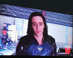 Tom Hiddleston and many Marvel stars congratulate Mr. Loki Thor, Tom Hiddleston Loki, Loki Laufeyson, Marvel Heroes, Marvel Avengers, Loki Gif, Thor 2011, Avengers 2012, Bucky Barnes