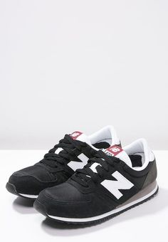 new balance 420 trainers in off white with rose gold