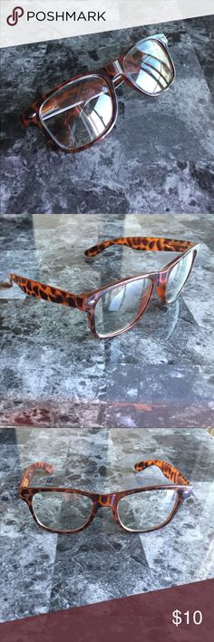 Fashionable Cheetah Glasses I am selling these adorable, non prescription, fashionable cheetah glasses! I bought them in New York and never wore them because I have actual glasses 🤓 they are NWOT and in perfect condition! Accessories Glasses