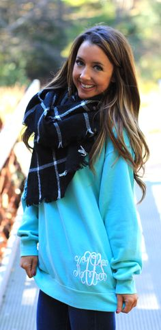 Love this Blanket Scarf and Sweatshirt! | Marleylilly.com | http://Marleylilly.com/Comfort