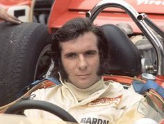 Emerson Fittipaldi, Campeão Mundial de Formula 1 nos anos de 1972 e 1974; Campeão Mundial de Formula Indy em 1989.