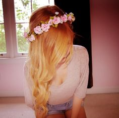 Blonde ombre hair flowers