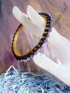 Lo Scrigno dei Gioielli: Schema Bangle e orecchini Alivan   EWA's World of Beads3 agosto 2011 16:47