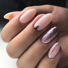 diseños de uñas en tonos pastel con purpurina, uñas en acrilico largas forma almendrada, decoración con piedras decorativas