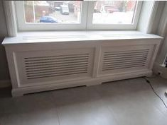 Diy Radiator Cover, Window Benches, Painting Frames, Interior Decorating, Sweet Home, New Homes, Home Appliances, Windows, Living Room