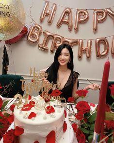 Girls' Generation Tiffany, Girls' Generation Taeyeon, Girls Generation, Tiffany Birthday Party, Girl Birthday, Birthday Parties, Happy Birthday, Romantic Birthday, Girlfriend Birthday