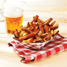 7 classic Canadian foods and where they came from - Canadian Living Canadian Food, Savoury Dishes, Quick Easy Meals, Cooking Tips, Side Dishes, Good Food, Veggies, Menu, Lunch