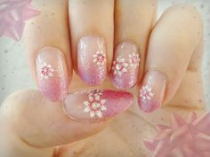 Ida-Marian kynnet / Light purple gradient with flowers / #Nails #Nailart