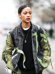 Die besten Streetstyles von den SS17 Couture-Schauen #refinery29  http://www.refinery29.de/2017/01/138117/streetstyles-couture-paris-ss17