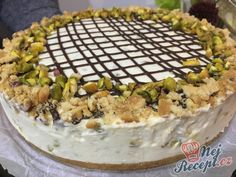 Nepečený pistáciový cheesecake Sweet Recipes, Cake Recipes, Cheesecakes, Acai Bowl, Muffins, Deserts, Food And Drink, Cooking, Breakfast